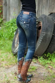 Rock Revival Skinny Jeans | Old Gringo Cowgirl Boots | Perfect for Fall
