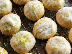 Coconut Lime Butter Cookies - Delivery Food - Ideas of Delivery Food - Coconut Lime Butter Cookies recipe from Ree Drummond via Food Network Brownie Cookies, Cookie Desserts, Dessert Recipes, Butter Cookies Recipe, Coconut Cookies, Sugar Cookies, Spider Cookies, Tea Cookies, Baking Cookies