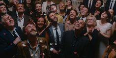 Eric Toledano et Olivier Nakache font tourner les serviettes dans Le sens de la fête : un film joyeux toujours bienveillant mettant en scène un Jean-Pierre Bacri hilarant.