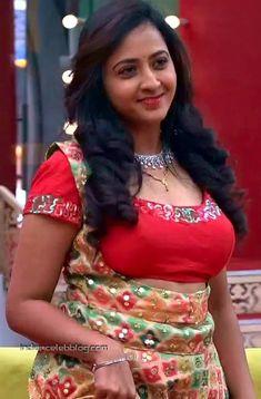 South Indian Actress Hot, Indian Beauty Saree, Indian Actresses, Anchor, Cute Outfits, Sari, Wonder Woman, Superhero, Women