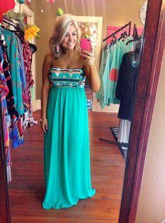 Love love that dress!!♥♥