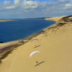 This place is amazing! I remember when I went, I ran and jumped off of it. Sand everywhere forever. Aquitaine, In The Air Tonight, Le Pilates, Cap Ferret, Look At The Sky, Hang Gliding, Beach Landscape, Skydiving, South Of France