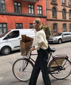 80s Fashion, Korean Fashion, Fashion Dresses, Jeans Boyfriend, Cycle Chic, Bike Style, Cool Style, My Style, Fashion Tips For Women