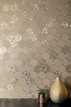 Foil Honeycomb Champagne – Arthouse Honeycomb Wallpaper, Geo Wallpaper, Silver Wallpaper, Wallpaper Please, Star Wars Wallpaper, Glitter Wallpaper, Trendy Wallpaper, Wallpaper Backgrounds, Bedroom Wallpaper