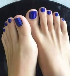 'Something Blue' toes Blue Toe Nails, Pretty Toe Nails, Feet Nails, Pretty Toes, Toenails, Blue Pedicure, Pedicure Colors, Manicure E Pedicure, Pies Sexy