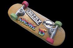 Skateboard cake.  Gâteau skateboard.