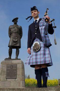 Piper Craig Weir International Men's Day: 48 celebs who love wearing Scottish kilts - Scotland Now