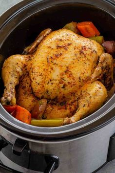 Whole Chicken Recipes Slow Cooker Drumstick - slow cooker whole chicken - cafe delites Slow Cooker Chicken Whole, Crockpot Whole Chicken Recipes, Cooking Whole Chicken, Slow Cooked Chicken, Whole Roasted Chicken, Stuffed Whole Chicken, Rotisserie Chicken, Crockpot Recipes, Cooking Recipes