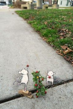 If you need a little bit of beauty and coziness, street art by David Zinn is absolutely for you. 18 examples of winter street art by street artist David Zinn. Urban Street Art, 3d Street Art, Amazing Street Art, Street Artists, Urban Art, Graffiti Artists, David Zinn, Street Art Banksy, New York Graffiti