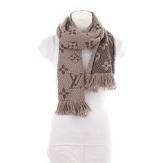 fc452dfcb47f2 Exklusiver Schal von Louis Vuitton in Grau - stylisch und elegant