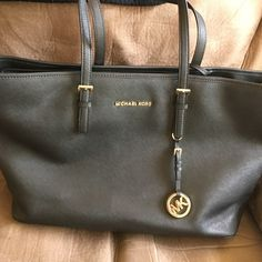 MK jet set safiano tote Like new jet set tote. Used a few times for travel in great condition. No trades  Michael Kors Bags Totes