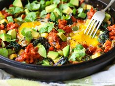 Healthy quick-prep Mexican hash made with chorizo, pepper, zucchini, eggs and avocado. The ideal meal for the ketogenic and paleo diet.