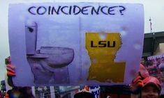 31 Hilarious College Football Game Day Signs - 🍀ViraLuck #humor #sports College Bowl Games, College Football Games, College Game Days, College Gameday Signs, Lsu College, Football Bowl Games, Football Signs, Lsu Game, Best Blogs