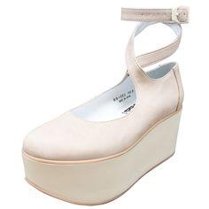 定番人気のバレリーナシューズにピンクヌバックが仲間入り♪ソールの厚さは7cmで厚底靴に初めてチャレンジされる方にも履き易い高さになっています。※ソールの色は白く見えますが、淡く柔らかいベージュです。そ…