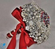 """""""La Canela"""" Brooch Bouquet"""