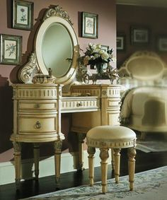 Joliette furniture Collection Dressing Table with stool and mirror in French