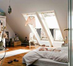 Extraordinary Attic bedroom loft,Attic storage poulsbo and Attic bedroom design ideas. Dream Bedroom, Home Bedroom, Loft Bedrooms, Airy Bedroom, Bedroom Interiors, Master Bedroom, My New Room, My Room, Cozy House