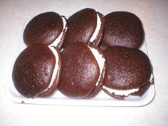 Fresh whoopie pies from Blue ball, PA in Lancaster, PA 2007 Snack Recipes, Snacks, Lancaster County, Amish Country, Whoopie Pies, Gettysburg, Milk And Honey, Potato Chips, Social Studies
