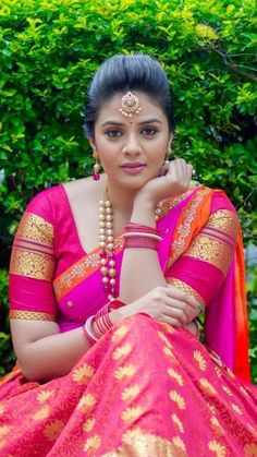 Exclusive stunning photos of beautiful Indian models and actresses in saree. Beautiful Bollywood Actress, Most Beautiful Indian Actress, Beautiful Actresses, Beauty Full Girl, Beauty Women, Indiana, Beautiful Girl Image, Beautiful Women, Simply Beautiful