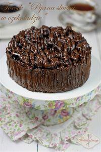 Tort ekstremalnie czekoladowy - z musem czekoladowym i Baileys Plum Cake, Small Cake, Polish Recipes, Tea Cakes, Chocolate Cake, Sweet Tooth, Cheesecake, Favorite Recipes, Sweets