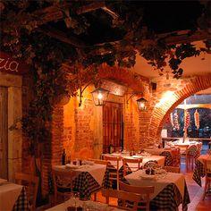 restaurant fachada italian restaurants at DuckDuckGo Restaurant Design, Italian Restaurant Decor, Italy Restaurant, Pizza Restaurant, Pizzeria Design, Bistro Interior, Bistro Decor, Italian Bistro, Italian Cafe