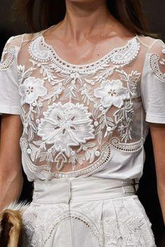 Luxo 3D   A moda dos bordados e efeitos tridimensionais em blusas, saias, etc   Parte 2