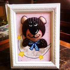 """Luna para mama"", ""Moon for mumy"" #paintedshells #pencil #conchas #drawing #stones #stone #beard #bear #paint #painting #artesania #oso #animals #mather #puq #puntaarenas #handmade #gifts #hechoamano #moon #stars #luna #shell #pintura"
