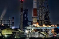 https://flic.kr/p/NzaThA | familiar - お馴染み | 北九州 小倉の夜は、お馴染みの被写体。  CANON EOS 7D + TAMRON SP 70-300mm F/4-5.6 Di VC USD  #japan #fukuoka #kitakyushu #kokura #technoscape