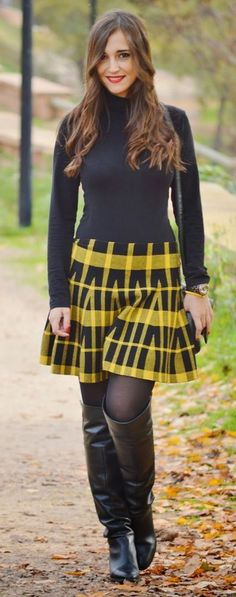 wonderful office style for fall Skirts With Boots, Tights And Boots, Plaid Skirts, Mini Skirts, Knee Boots, Pretty Outfits, Cool Outfits, Riding Boot Outfits, High Leather Boots