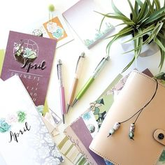 The colors in the @travelwiththe1407 succulent kit are just beautiful! I think I'm going to split up this kit and use the double-sided papers to make new dividers for my nude Filofax. It matches so well! . Pens are Rendezvous Skinny Dip and Neverland. Shop link in bio. . #pengems #nouglypens #travelwiththe1407 #travelersnotebook #filofaxaddict #planneraddict #