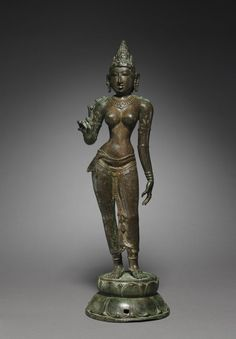 Goddess Holding a Lo Goddess Holding a Lotus c. 950 South India Tamil Nadu Chola period Century) bronze Overall - cm inches) Wt: lbs. Buddha Sculpture, Bronze Sculpture, Sculpture Art, Asian Sculptures, Love Statue, Shiva Statue, Indian Goddess, Buddha Painting, Bros