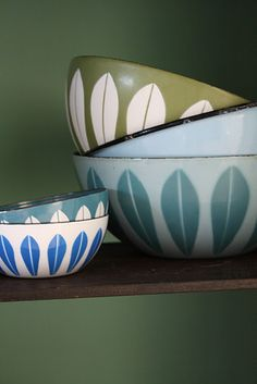 a couple of these amazing Catherine Holm bowls on the open shelving adds color and a vintage-modern edge.  #LGLimitlessDesign #Contest