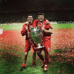 ♠ Jamie Carragher & Steven Gerrard after that famous win at Istanbul 2005 #LFC #History #Legends