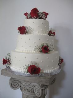 3 tier fresh roses with pearl beading