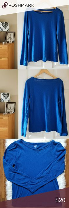 """j. crew long sleeve royal blue painter tee size XL Measurements lying flat:  Bust: 20"""" Length:25"""" 100% cotton  -Smoke-free home  -Reasonable offers welcome, but prices are firm on items under $10.  -No trades, please.  -All measurements are approximate  💕💕💕Thank you for shopping my closet, it means a lot to me!💕💕💕 J. Crew Tops Tees - Long Sleeve"""