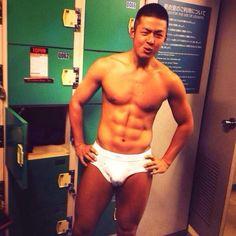 気に入ったらRT #えっちな男勃ち #男の裸 #腹筋 #気に入ったらRT pic.twitter.com/Tg8fR6Ewl4