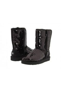 http://www.showroom-mode.com/fr/chassures-boots-ugg/20693-chaussures-ugg-australia-classic-authentique-effet-paillete.html =>128.94€
