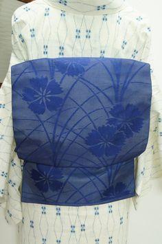瑠璃のような青一色で浮かび上がる撫子の花模様が凛と美しい絽の夏名古屋帯です。 #kimono
