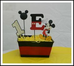 Mickey mouse clubhouse birthday party! DIY mickey mouse centerpieces. Each centerpiece cost only $2! Simple and adorable!