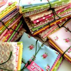 for sewing machine cover Vintage Basics - Mixed Bunch Bundle Fabric Patterns, Sewing Patterns, Sewing Ideas, Paper Bunny, Funky Decor, Contemporary Fabric, Textile Fabrics, Gorgeous Fabrics, Bunting