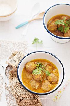 Albóndigas caseras con salsa al curry.   Cocinando con mi carmela.