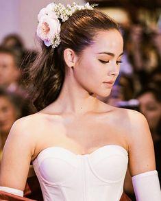 Dark Beauty, Asian Beauty, Most Beautiful Women, Beautiful People, Bridal Musings, Bridal Tiara, Celebs, Celebrities, Dark Hair