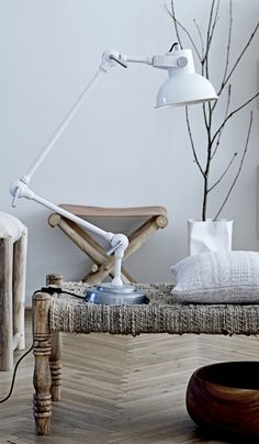 White lamp - Plümo Ltd Scandinavian Home, Mid Century Modern Design, Cool Lighting, Home Decor Accessories, Interior Inspiration, Interior And Exterior, House Design, Daybeds, Ideas