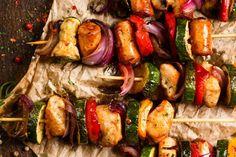 Brochettes de poulet à la grecque...Mmmm - Recettes - Recettes simples et géniales! - Ma Fourchette - Délicieuses recettes de cuisine, astuces culinaires et plus encore!