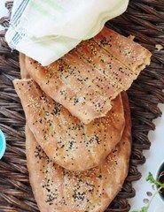 Iransk brød med nigella- og sesamfrø