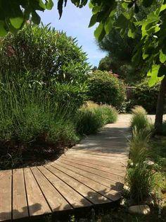 Seaside Garden, Love Garden, Garden Paths, Garden Landscaping, Landscaping Ideas, Wood Walkway, Deck Makeover, Asian Decor, Pathways