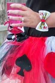makeup ideas for queen of hearts costume - Makeup Ideas fantasias rainha de copas Mad Hatter Party, Mad Hatter Tea, Diy Costumes, Halloween Costumes, Costume Ideas, Costume Alice, Fall Halloween, Halloween Party, Queen Of Hearts Halloween Costume