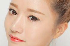Bấm mí mắt có ảnh hưởng đến thị lực