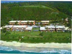 2 Casas localizadas em um cenário deslumbrante, com lindas praias cada uma delas com características para todos os gostos à venda em Arraial d'Ajuda, Bahia, Brasil.