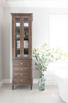 Linen Cupboard In The Bathroom   This Would Be A Good Use Of A Cabinet My